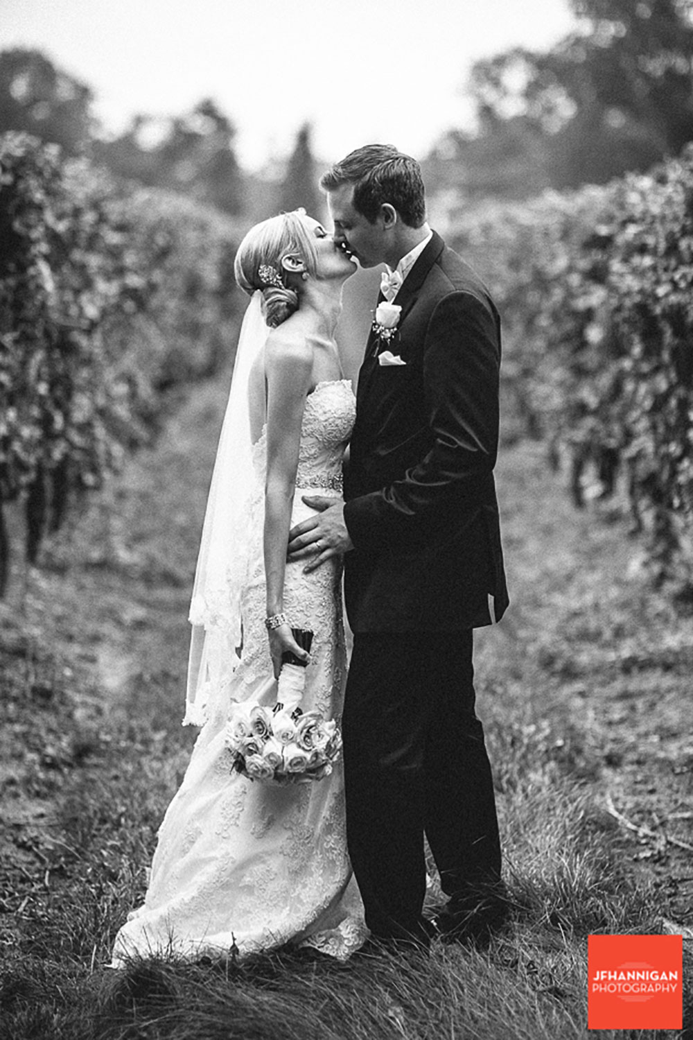 Pillar-and-Post-Vintage-Hotels-Wedding-Vineyard-Bride-photo-by-Joel-Hannigan-Photography-0055.JPG