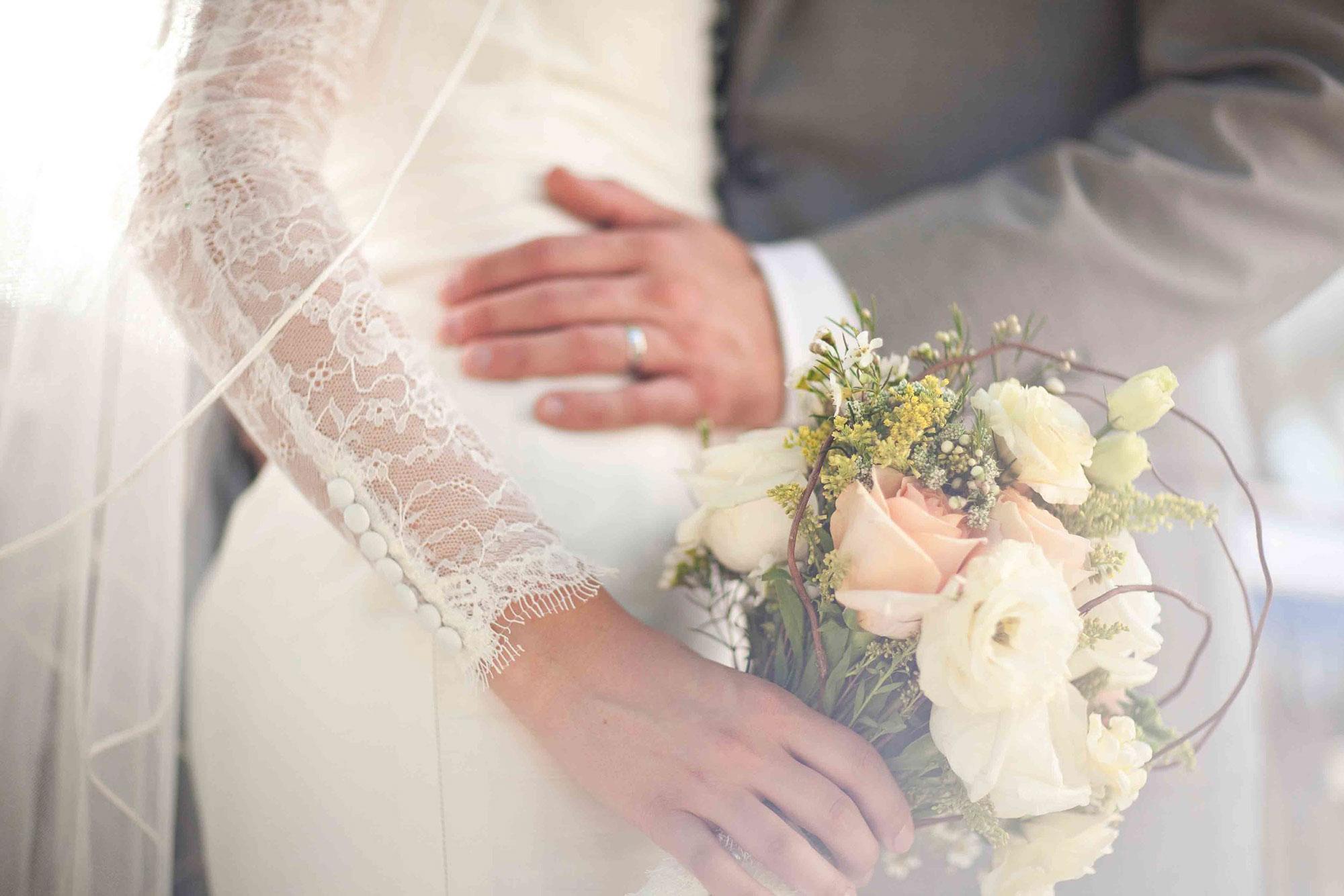 Amanda-Cowley-Willowbank-Vineyard-Bride-Photo-By-White-Photographie-015.jpg