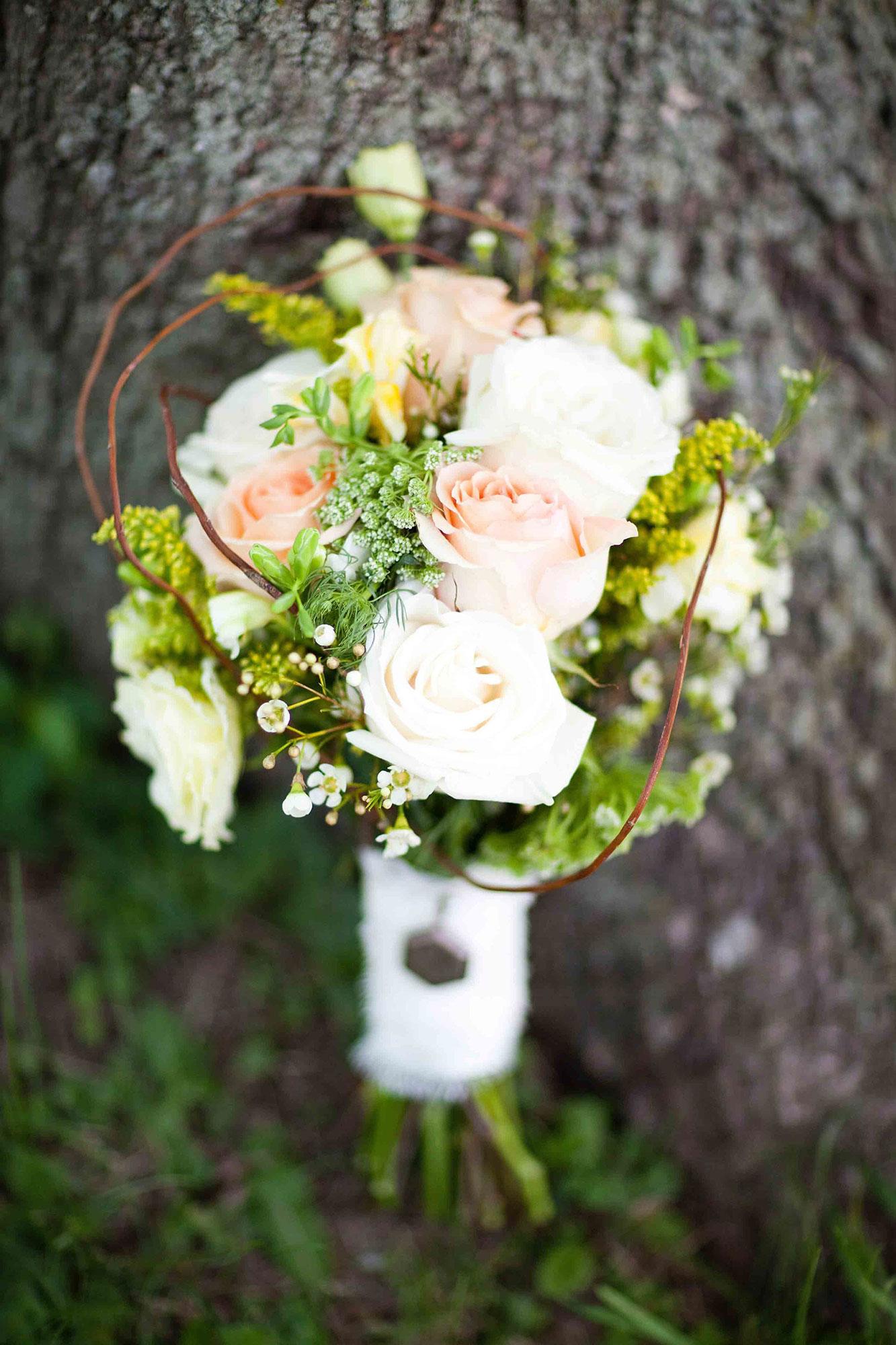 Amanda-Cowley-Willowbank-Vineyard-Bride-Photo-By-White-Photographie-019.jpg
