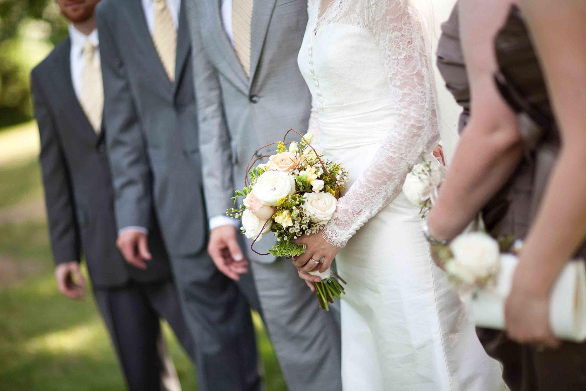 Amanda-Cowley-Willowbank-Vineyard-Bride-Photo-By-White-Photographie-020.jpg