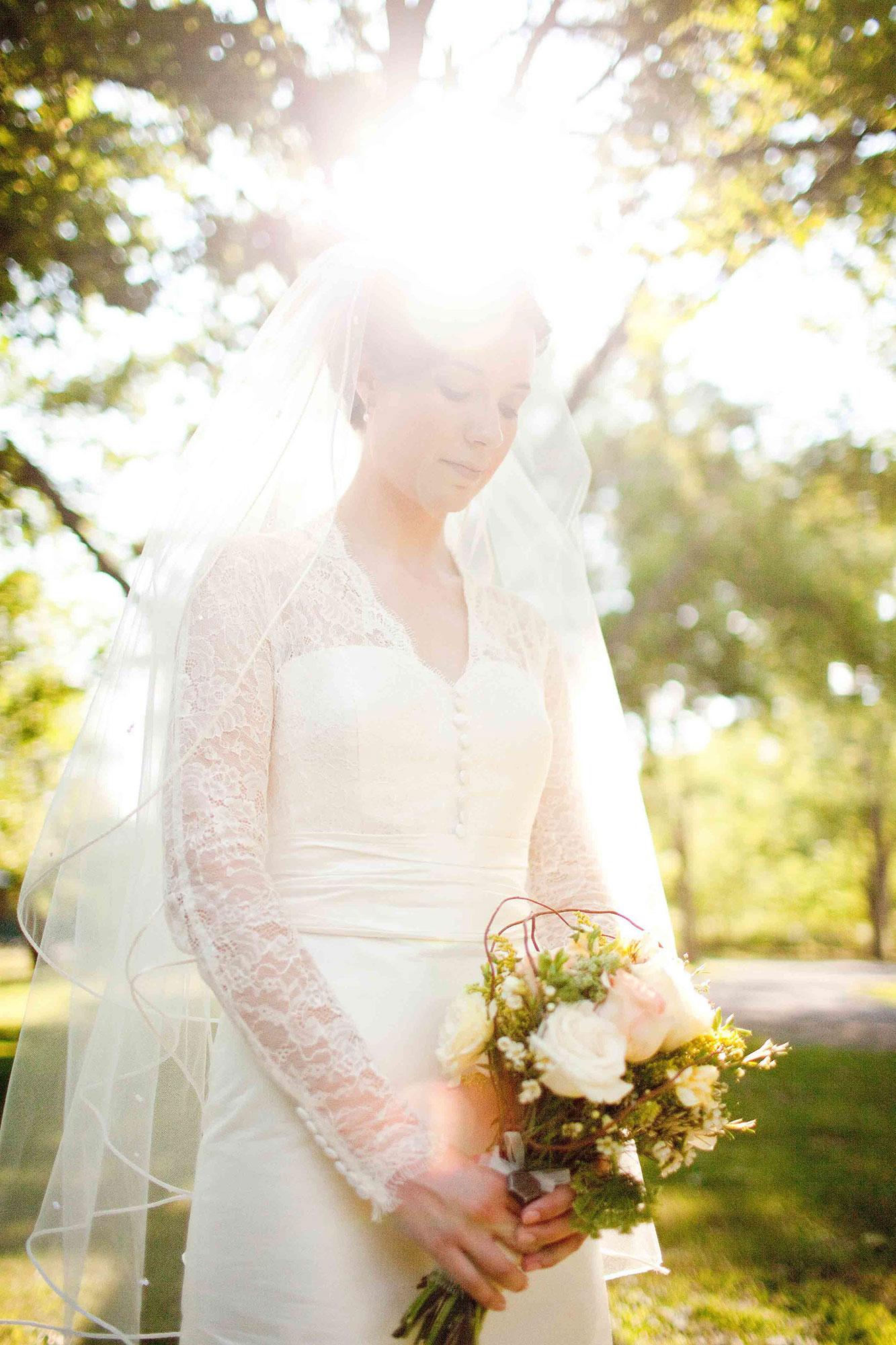 Amanda-Cowley-Willowbank-Vineyard-Bride-Photo-By-White-Photographie-022.jpg