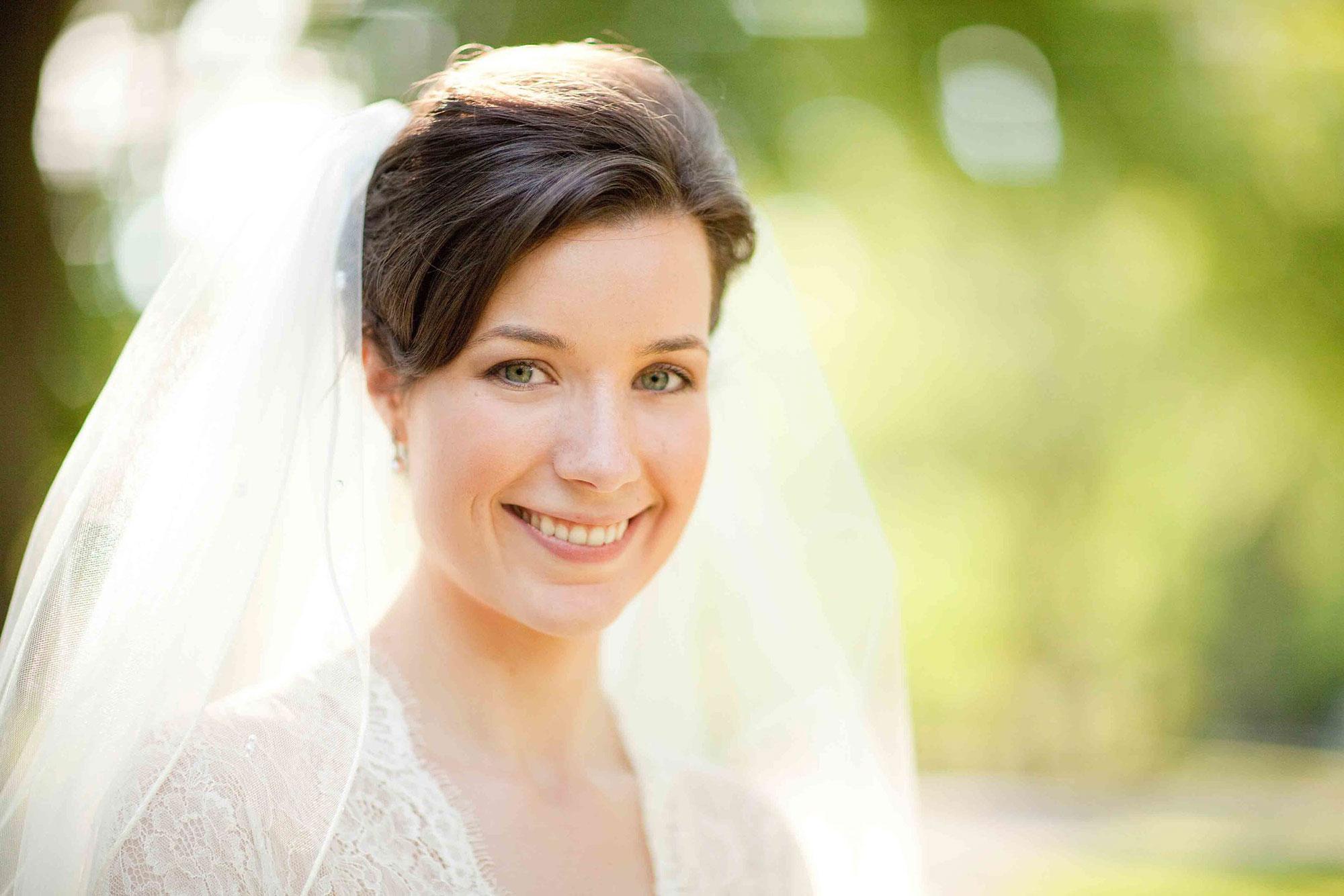 Amanda-Cowley-Willowbank-Vineyard-Bride-Photo-By-White-Photographie-024.jpg