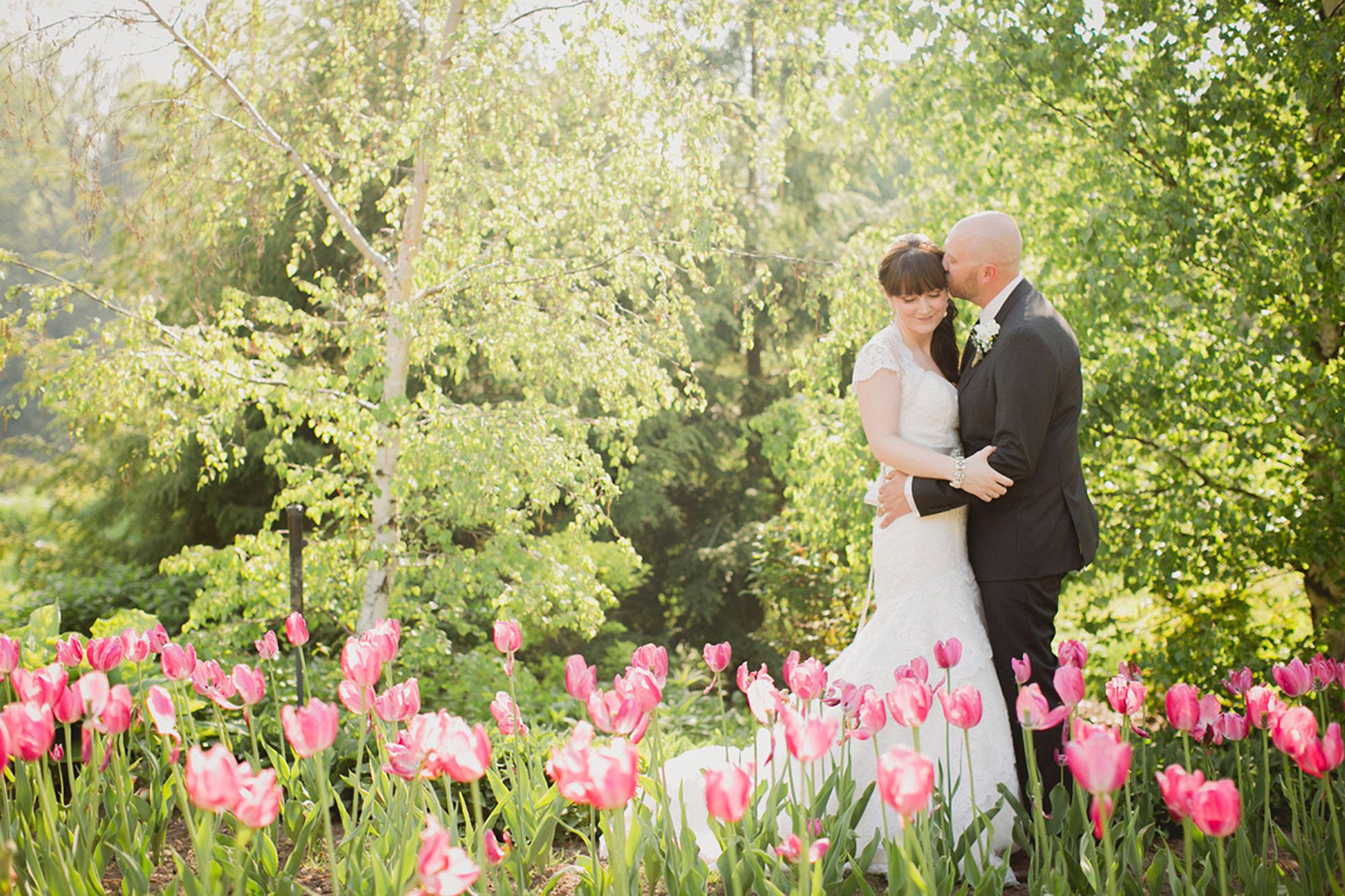 Balls-Falls-Vineyard-Bride-Photo-By-Elizabeth-in-Love-016.jpg