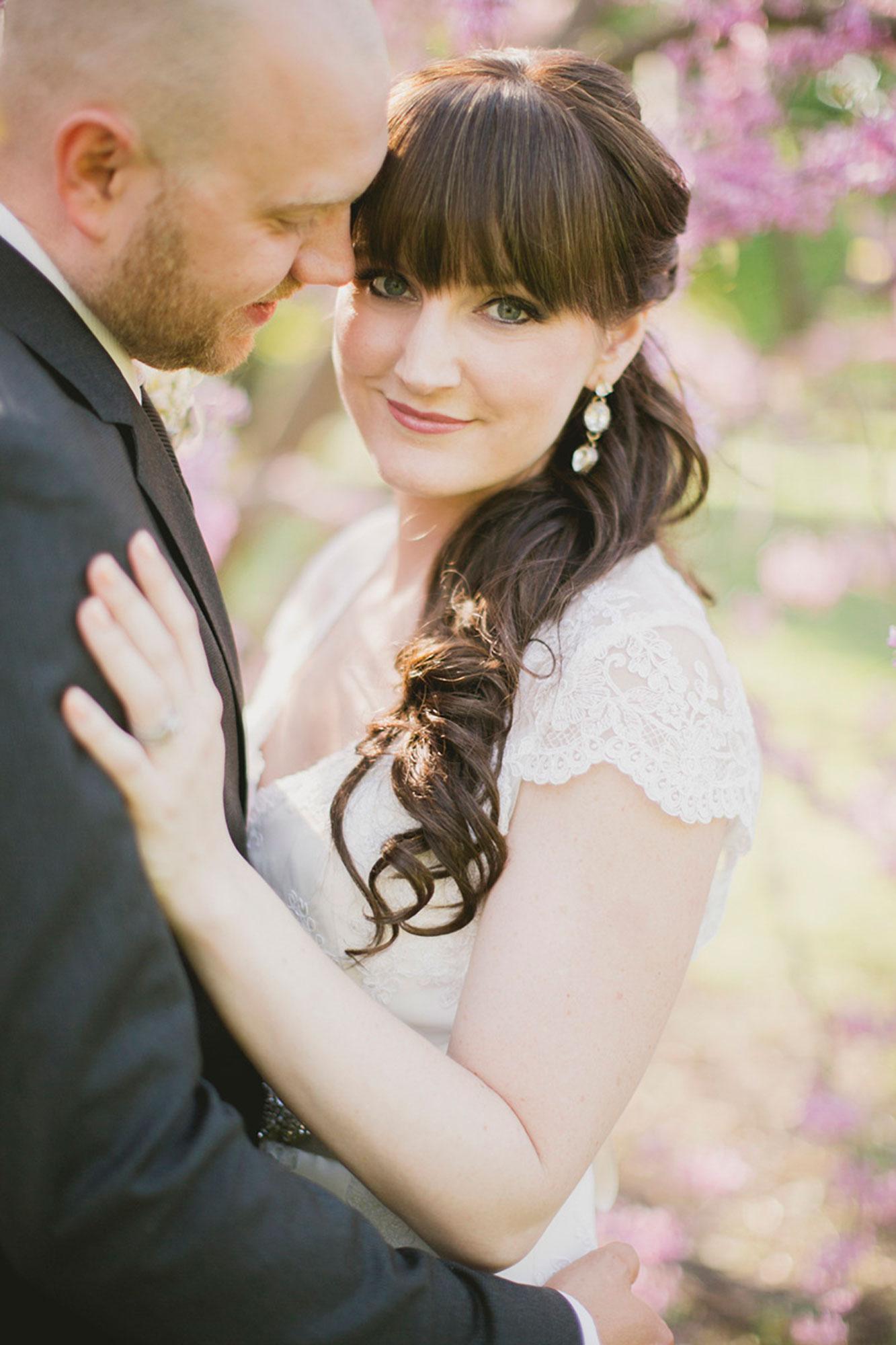 Balls-Falls-Vineyard-Bride-Photo-By-Elizabeth-in-Love-021.jpg