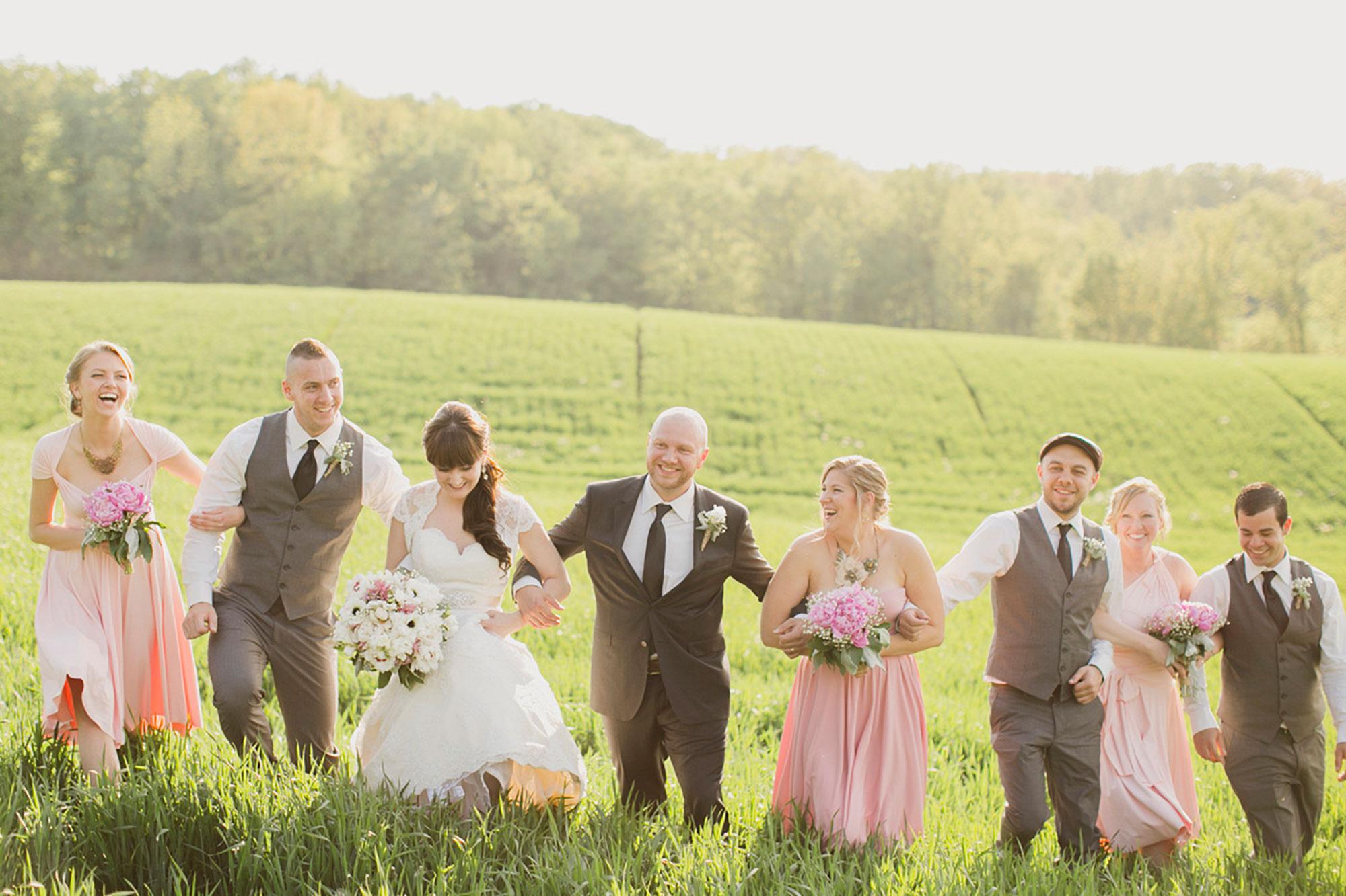 Balls-Falls-Vineyard-Bride-Photo-By-Elizabeth-in-Love-024.jpg