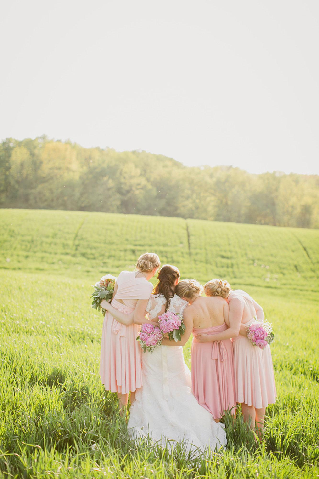 Balls-Falls-Vineyard-Bride-Photo-By-Elizabeth-in-Love-026.jpg