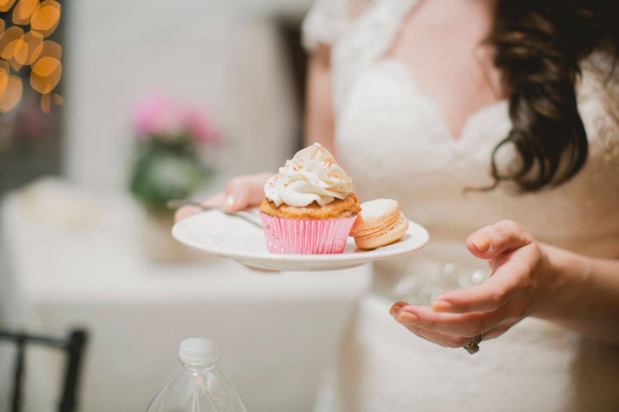 Balls-Falls-Vineyard-Bride-Photo-By-Elizabeth-in-Love-044.jpg