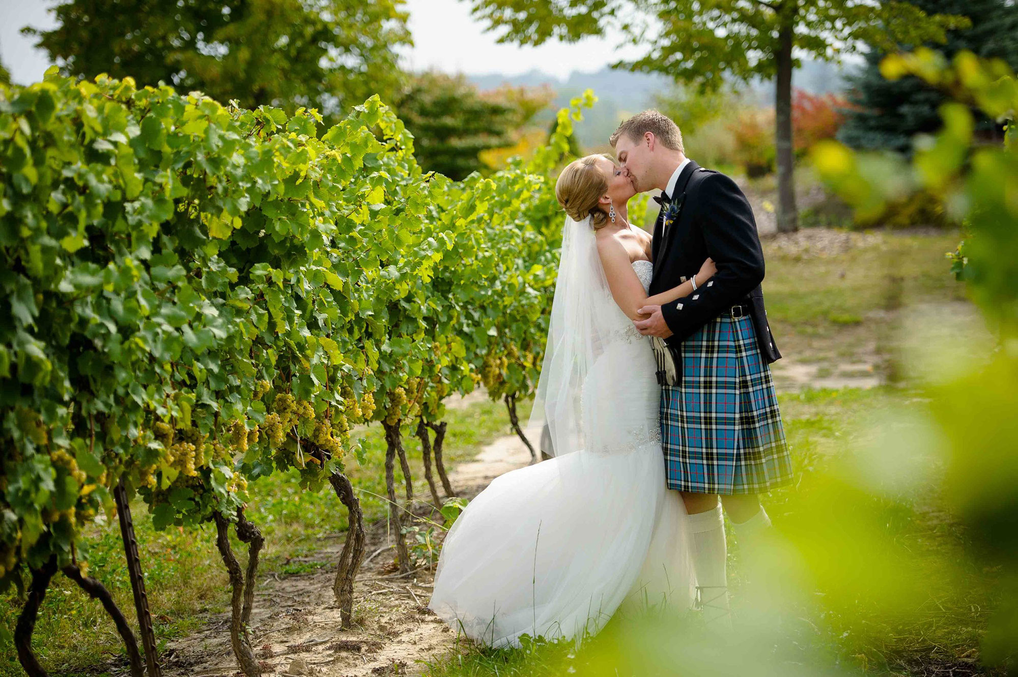 Rockway-Vineyards-Vineyard-Bride-Photo-By-Brian-Caporicci-022.jpg