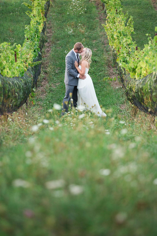 Ravine-Vineyard-Wedding-Vineyard-Bride-Photo-By-Andrew-Mark-Photography-029.jpg