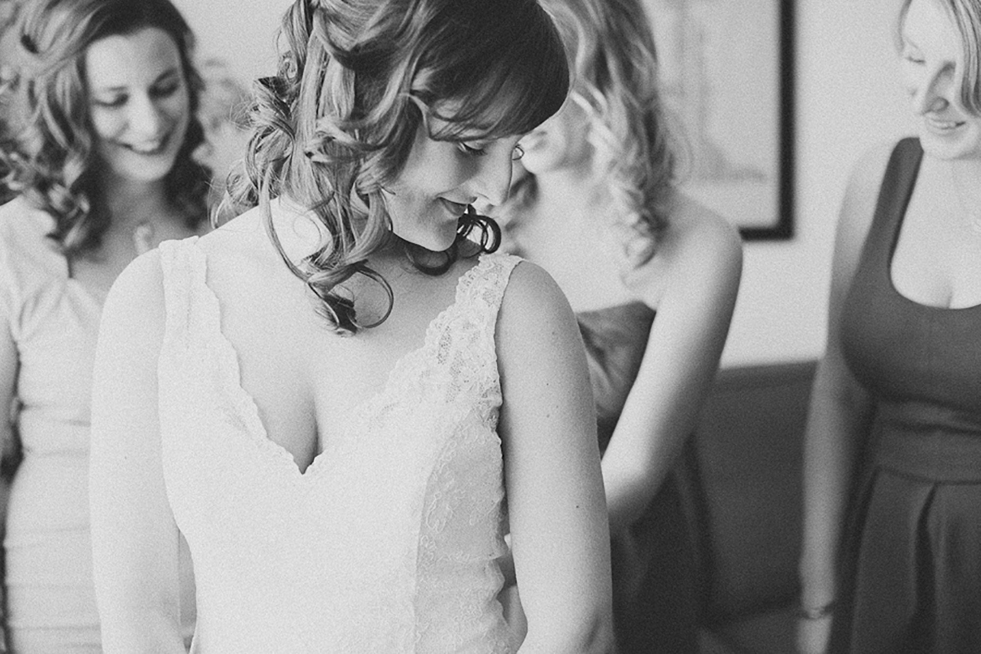 Navy-Hall-Wedding-Vineyard-Bride-Photo-By-Andrew-Mark-Photography-003.jpg