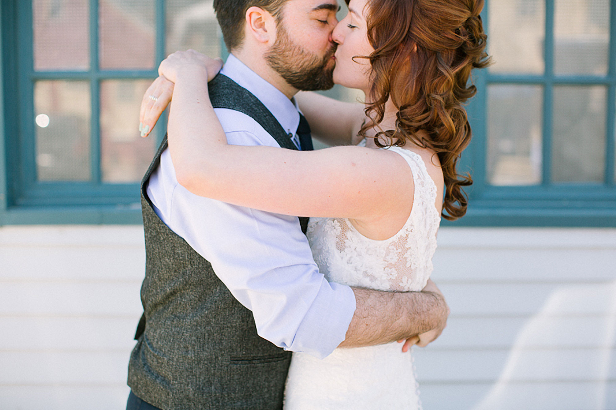 Navy-Hall-Wedding-Vineyard-Bride-Photo-By-Andrew-Mark-Photography-010.jpg