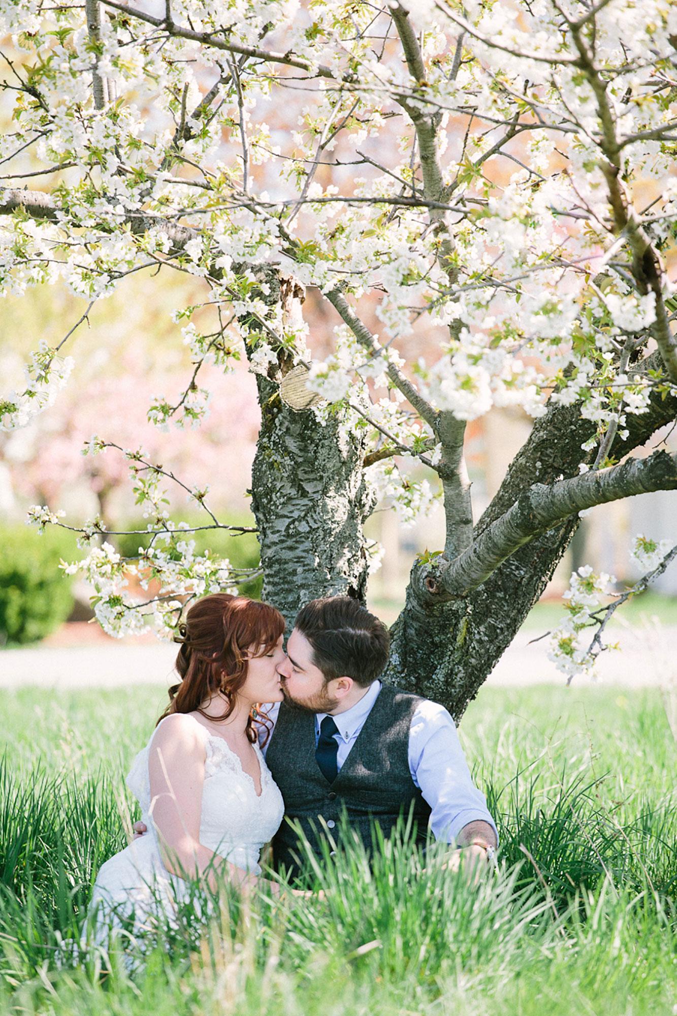 Navy-Hall-Wedding-Vineyard-Bride-Photo-By-Andrew-Mark-Photography-018.jpg