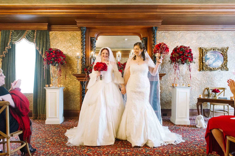 Vintage-Hotels-Wedding-Vineyard-Bride-Photo-By-Tara-McMullen-Photography-011.jpg