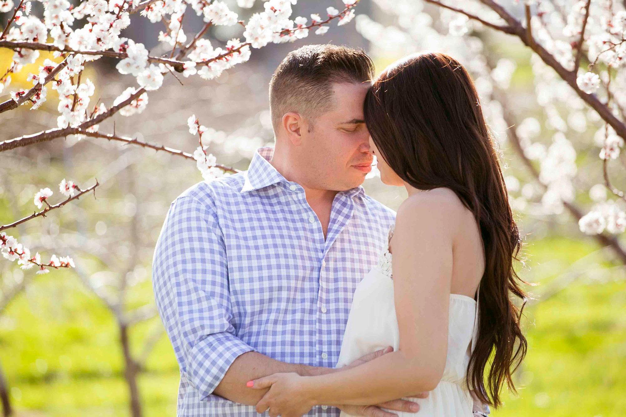 Niagara-on-the-Lake-Engagement-Vineyard-Bride-Photo-By-Gemini-Photography-003.jpg
