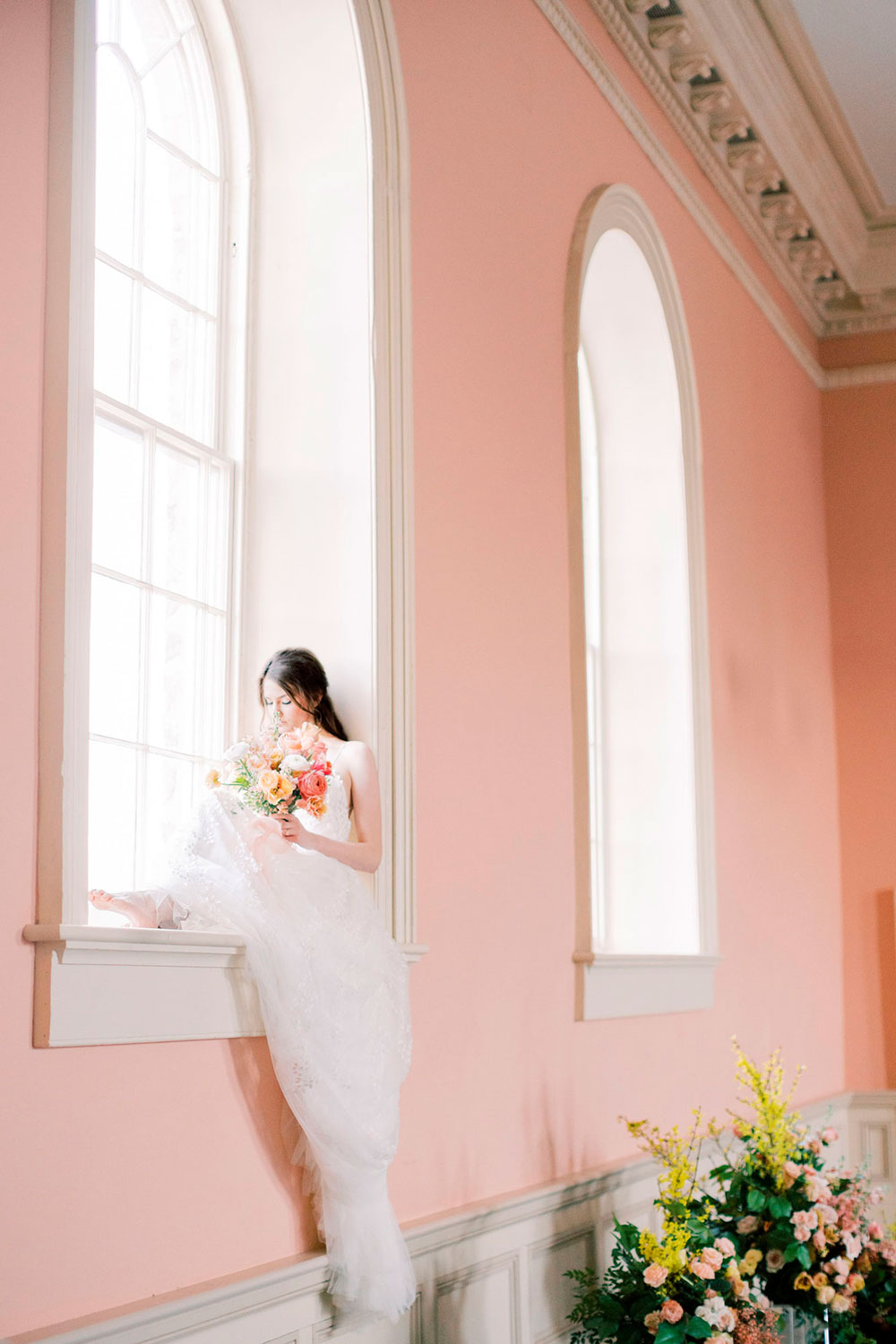Niagara-on-the-Lake-Courthouse-Vineyard-Bride-Editorial-photo-by-Jessica-Imrie-Photography-047.jpg