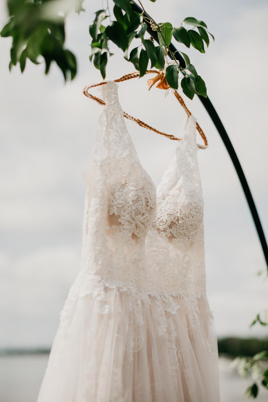 Amanda-Cowley-Events-Wedding-Planner-Vineyard-Bride-Photography-by-Katie-Benfey-Photography-010.jpg