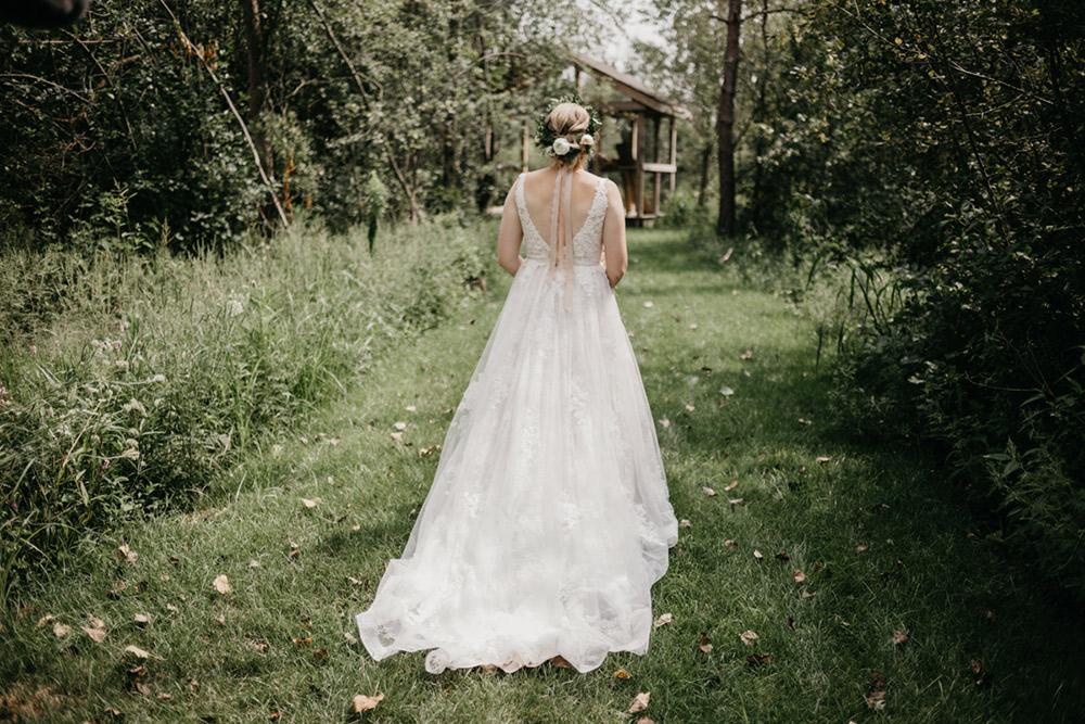 Amanda-Cowley-Events-Wedding-Planner-Vineyard-Bride-Photography-by-Katie-Benfey-Photography-024.jpg
