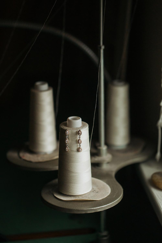 Winter-Wedding-Ridley-College-Stone-Mill-Inn-Vineyard-Bride-Photography-by-Joel-Hannigan-Photography-009.jpg