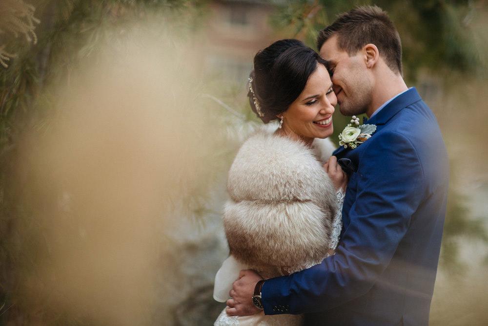 Winter-Wedding-Ridley-College-Stone-Mill-Inn-Vineyard-Bride-Photography-by-Joel-Hannigan-Photography-025.jpg