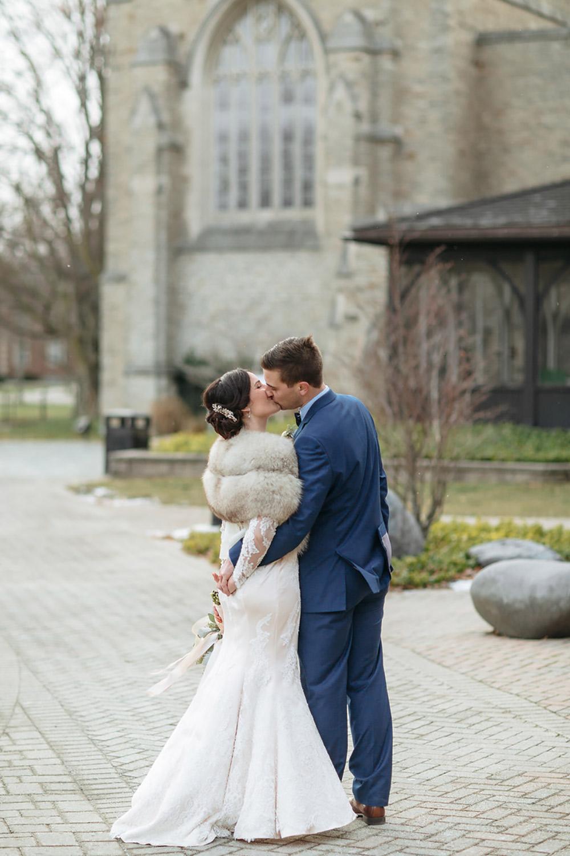 Winter-Wedding-Ridley-College-Stone-Mill-Inn-Vineyard-Bride-Photography-by-Joel-Hannigan-Photography-032.jpg