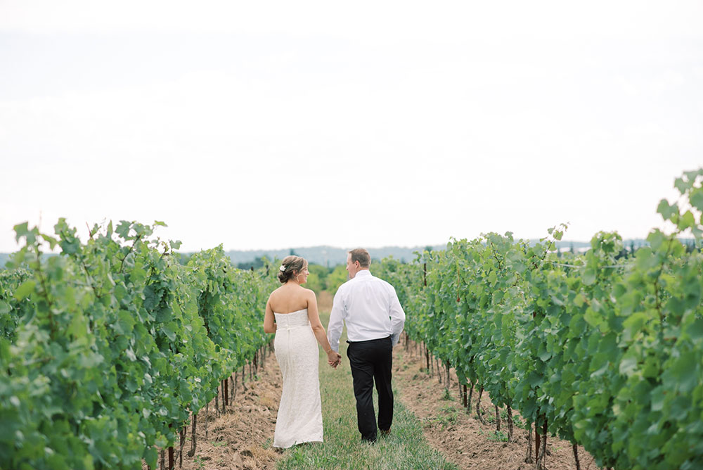 Niagara-on-the-Lake-Elopement-Vineyard-Bride-photo-by-Emily-Jean-Photography-0022.JPG