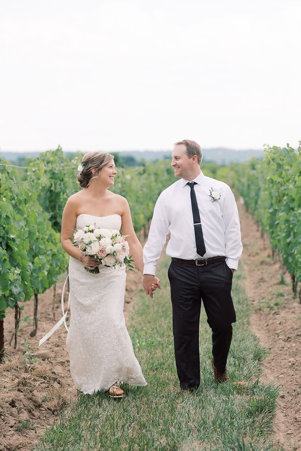 Niagara-on-the-Lake-Elopement-Vineyard-Bride-photo-by-Emily-Jean-Photography-0023.JPG
