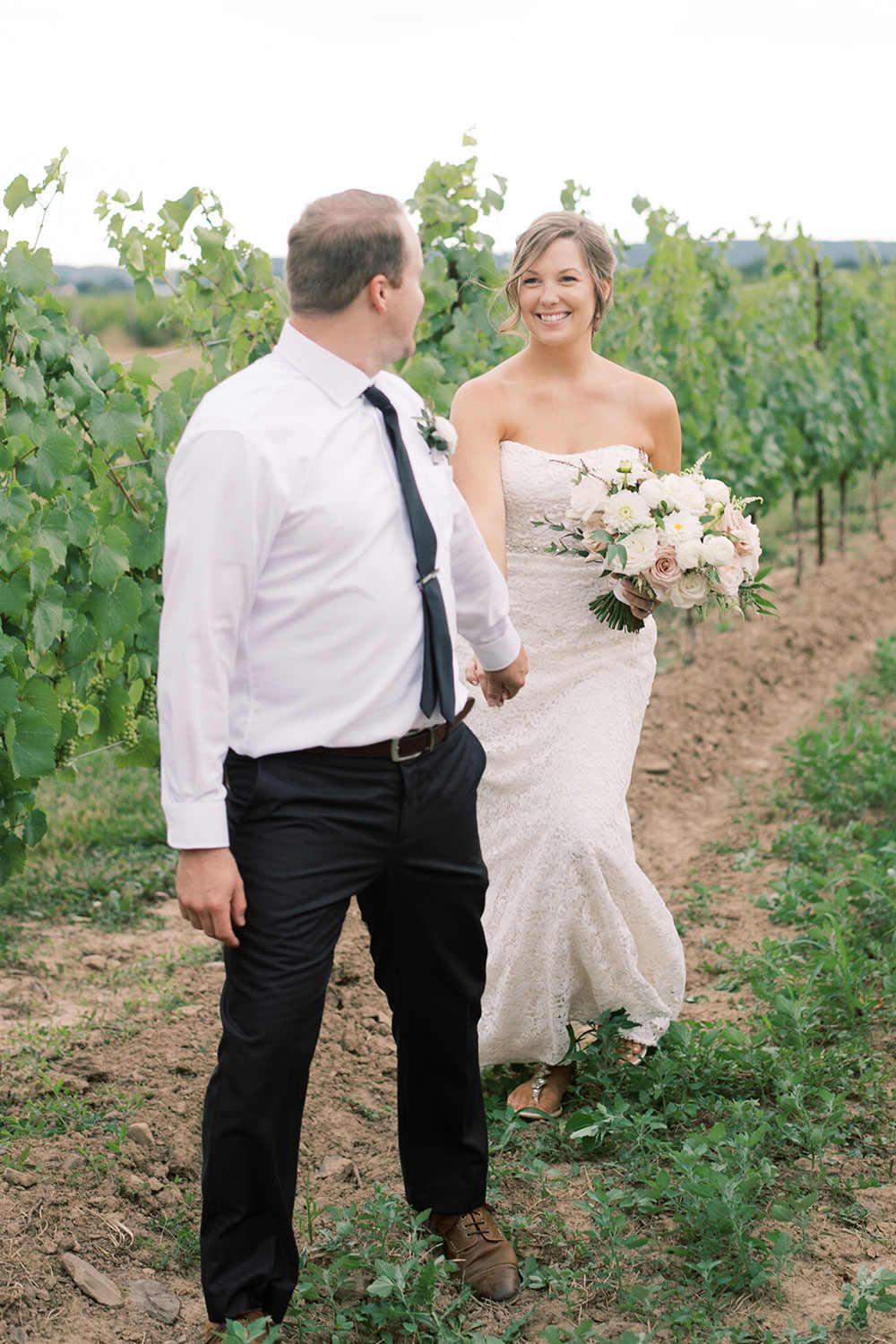 Niagara-on-the-Lake-Elopement-Vineyard-Bride-photo-by-Emily-Jean-Photography-0031.JPG
