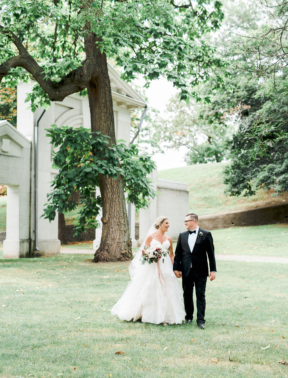 Art-Gallery-of-Hamilton-Wedding-Vineyard-Bride-photo-by-Destiny-Dawn-Photography-0020.JPG