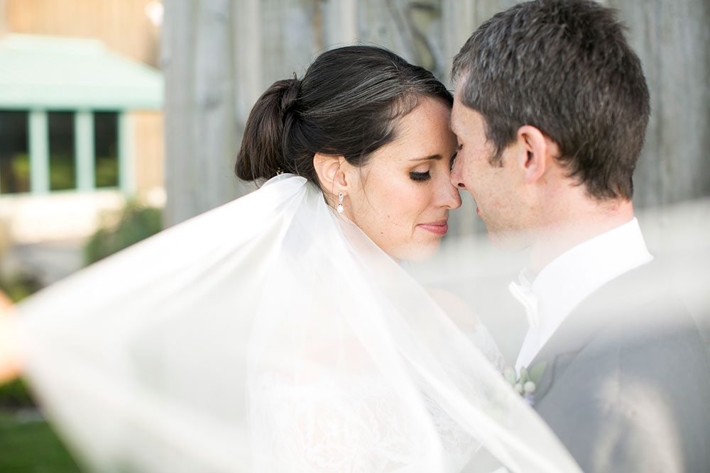 Niagara-wedding-photographers-Philosophy-Studios-Swish-List-Vineyard-Bride-formerly-Eva-Derrick-Photography-009.jpg