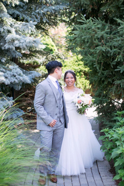 White-Oaks-Weddings-Niagara-wedding-photographers-Philosophy-Studios-Swish-List-Vineyard-Bride-formerly-Eva-Derrick-Photography-003.jpg