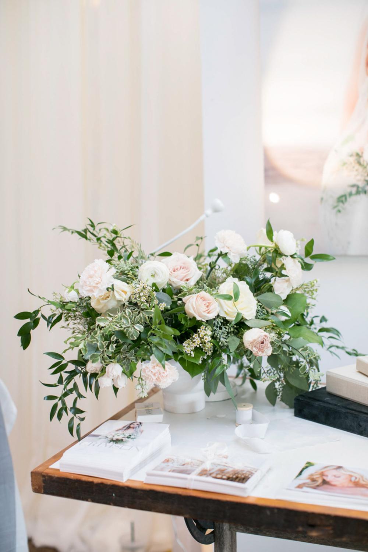 vineyard-bride-the-first-look-wedding-show-anniversary-niagara-toronto037.jpg