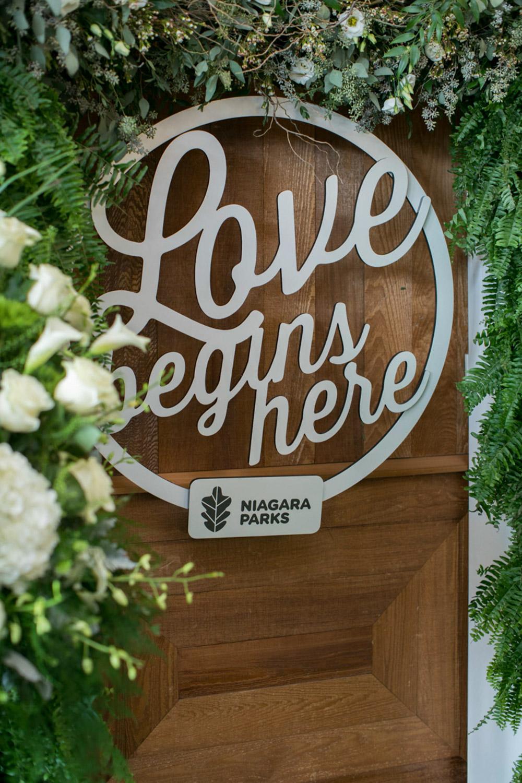 vineyard-bride-the-first-look-wedding-show-anniversary-niagara-toronto040.jpg