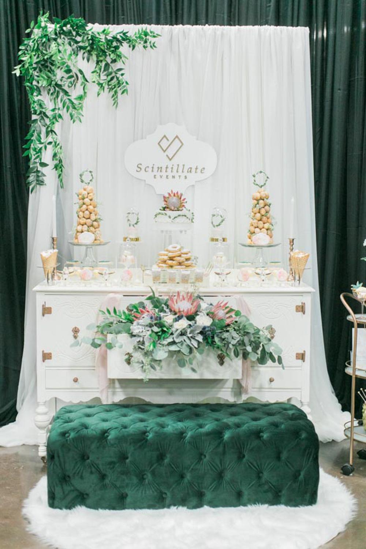 vineyard-bride-the-first-look-wedding-show-anniversary-niagara-toronto057.jpg