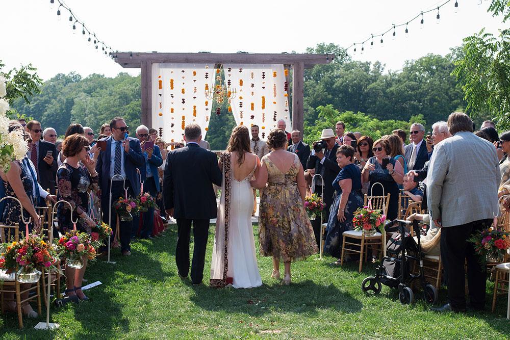 Stonewall-Estates-Wedding-St-Catharines-Vineyard-Bride-photo-by-Scarlet-Lens-Photography-25.JPG