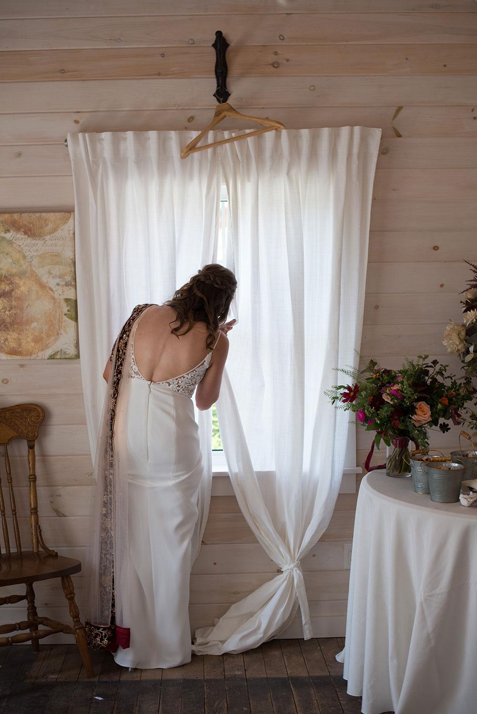 Stonewall-Estates-Wedding-St-Catharines-Vineyard-Bride-photo-by-Scarlet-Lens-Photography-21.JPG