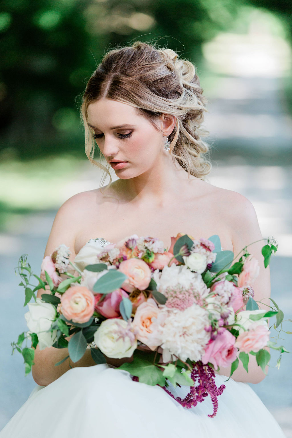 Kurtz-Orchards-Niagara-on-the-Lake-Styled-Wedding-Session-Shotlife-Studio-Calderone-Co-Luxury-Events-Vineyard-Bride-33.JPG