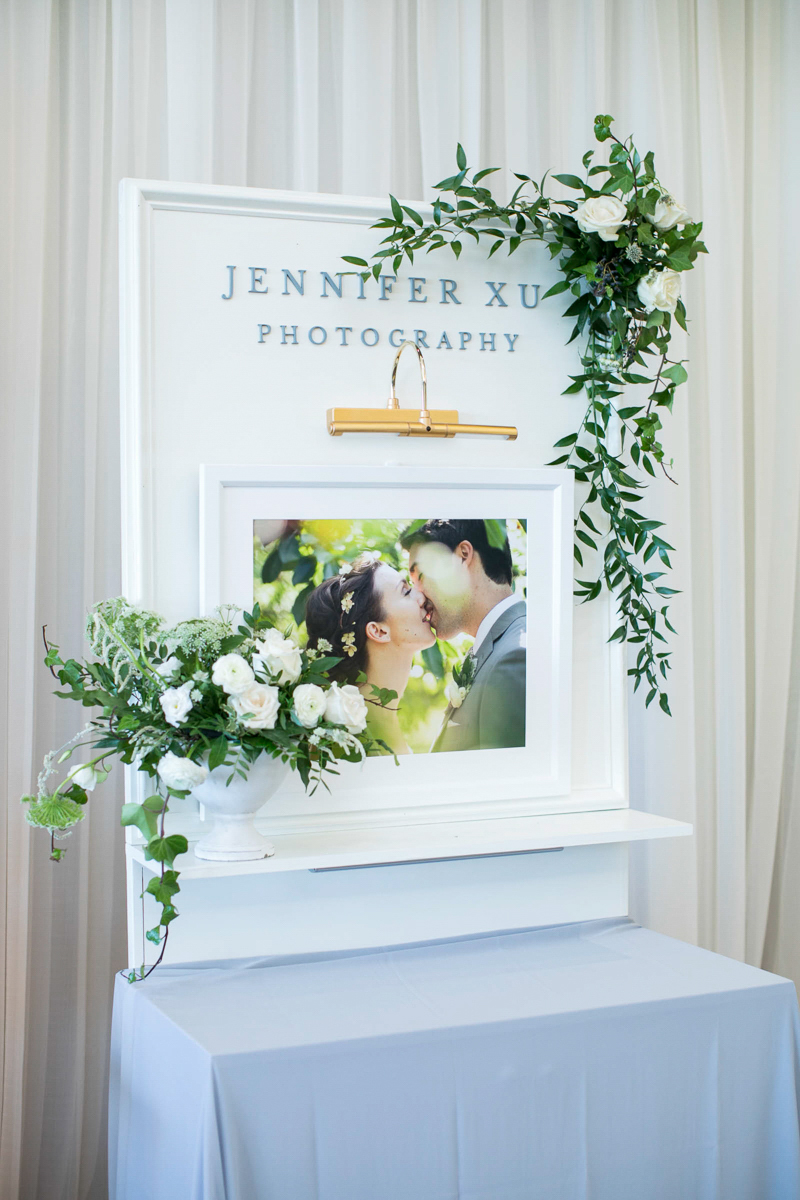 Jennifer Xu Photography booth at first look autumn wedding show