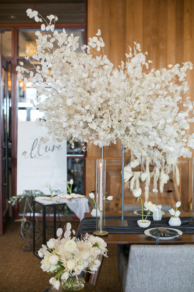 wedding day tablescape decor at the first look autumn