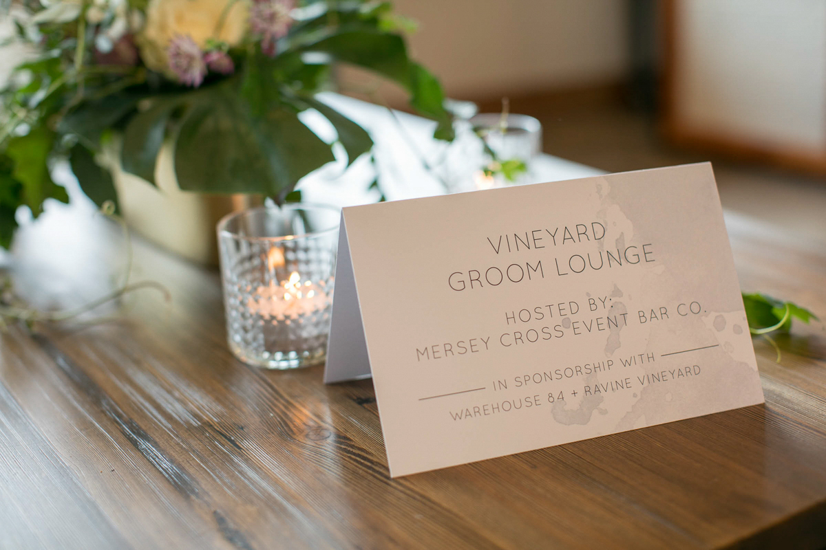 groms lounge sponsorship card and candles