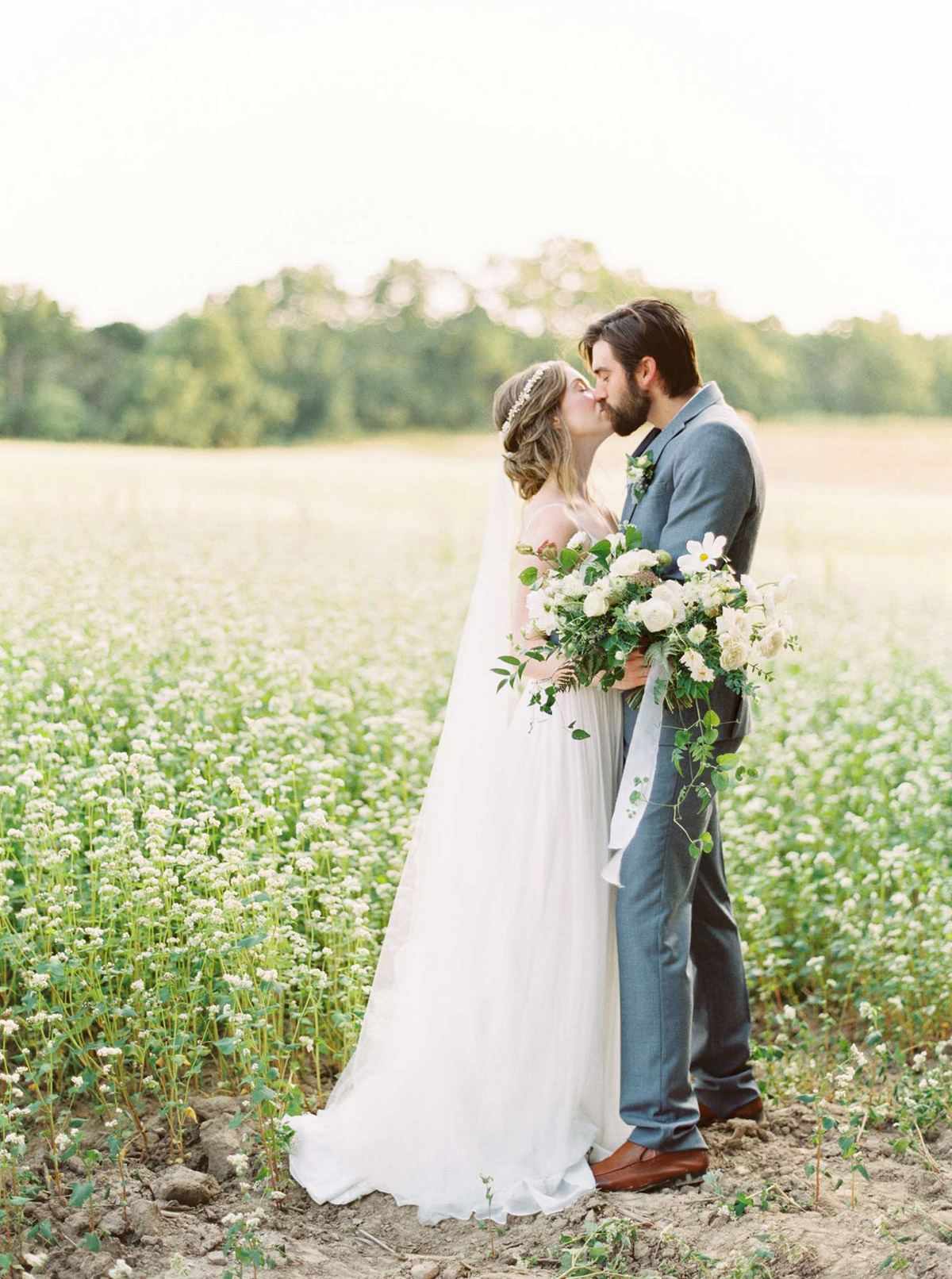 kayla-yestal-vineyard-bride-swish-list-woodland-weddings-niagara-wedding-editorial-31.jpg