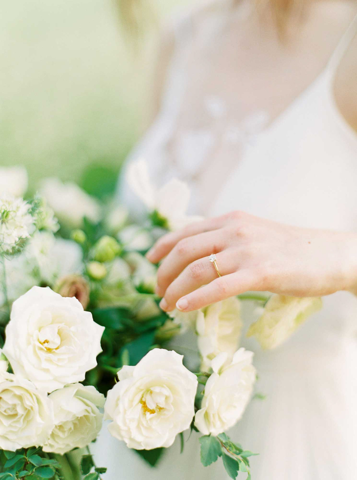 kayla-yestal-vineyard-bride-swish-list-woodland-weddings-niagara-wedding-editorial-33.jpg