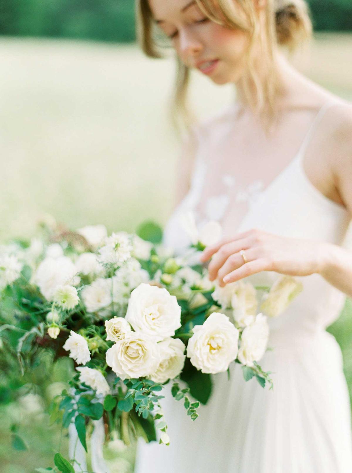 kayla-yestal-vineyard-bride-swish-list-woodland-weddings-niagara-wedding-editorial-43.jpg