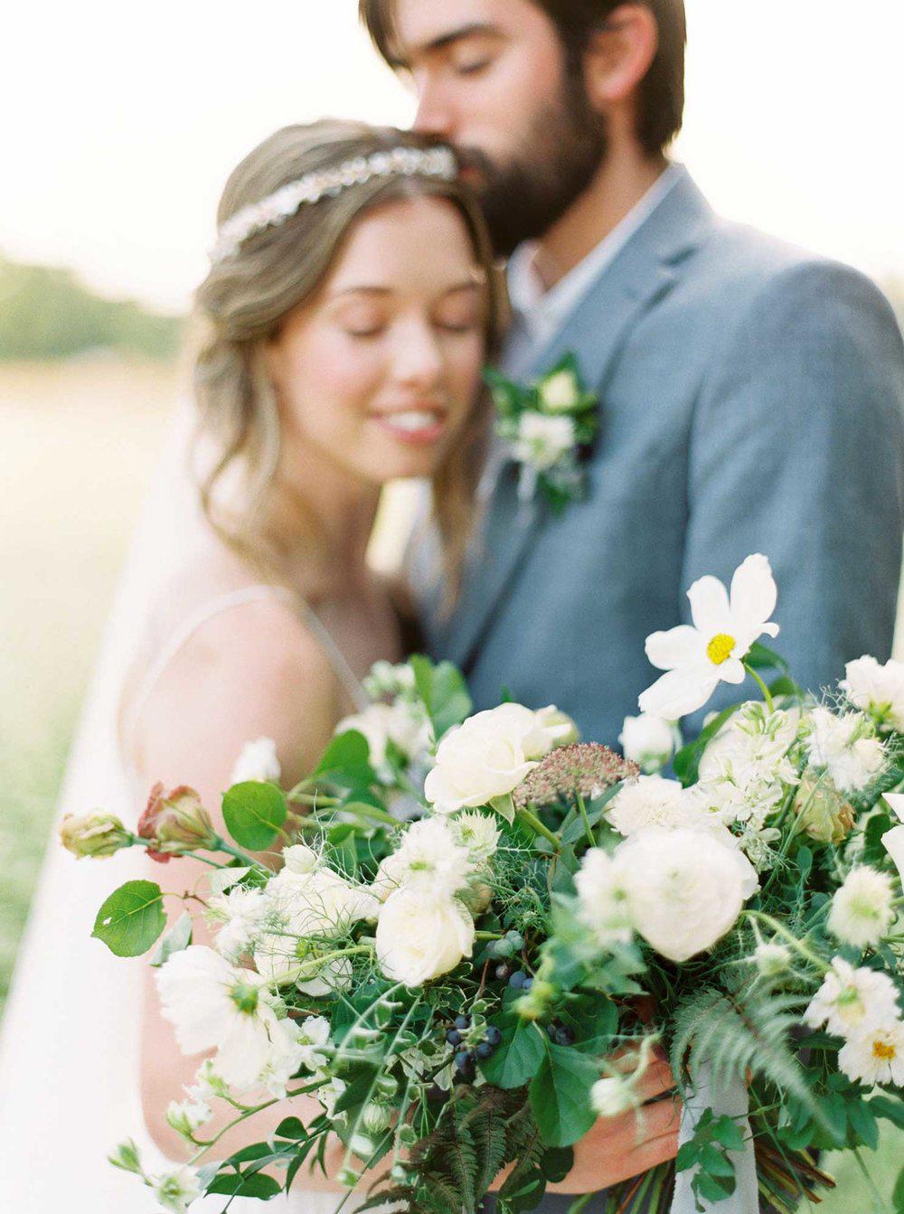 kayla-yestal-vineyard-bride-swish-list-woodland-weddings-niagara-wedding-editorial-1.jpg