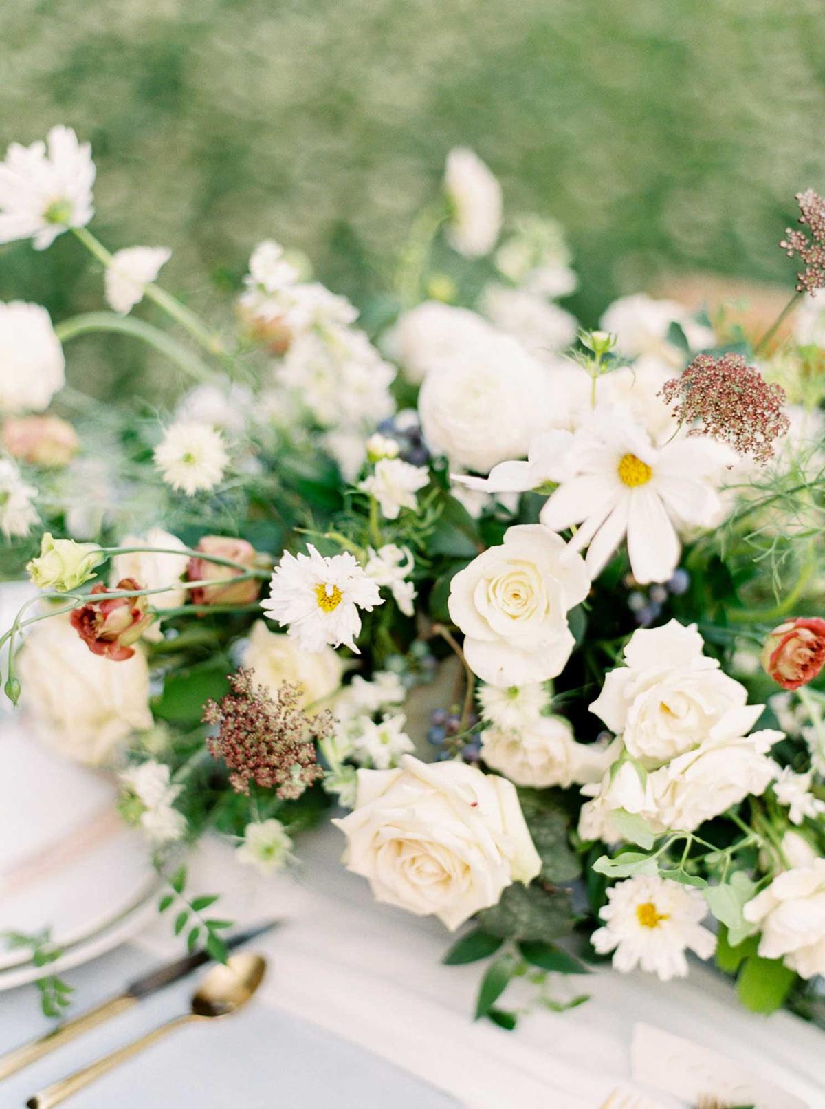 kayla-yestal-vineyard-bride-swish-list-woodland-weddings-niagara-wedding-editorial-71.jpg
