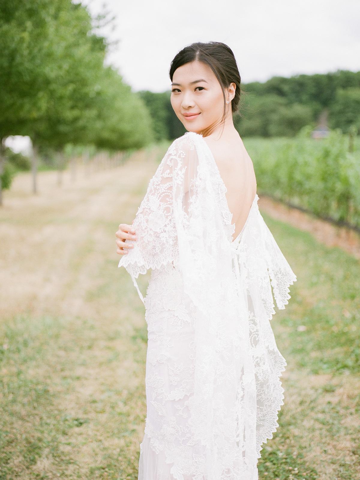 jennifer-xu-photography-vineyard-bride-swish-list-rosewod-eatstes-winery-beamsville-wedding-editorial-1.jpg
