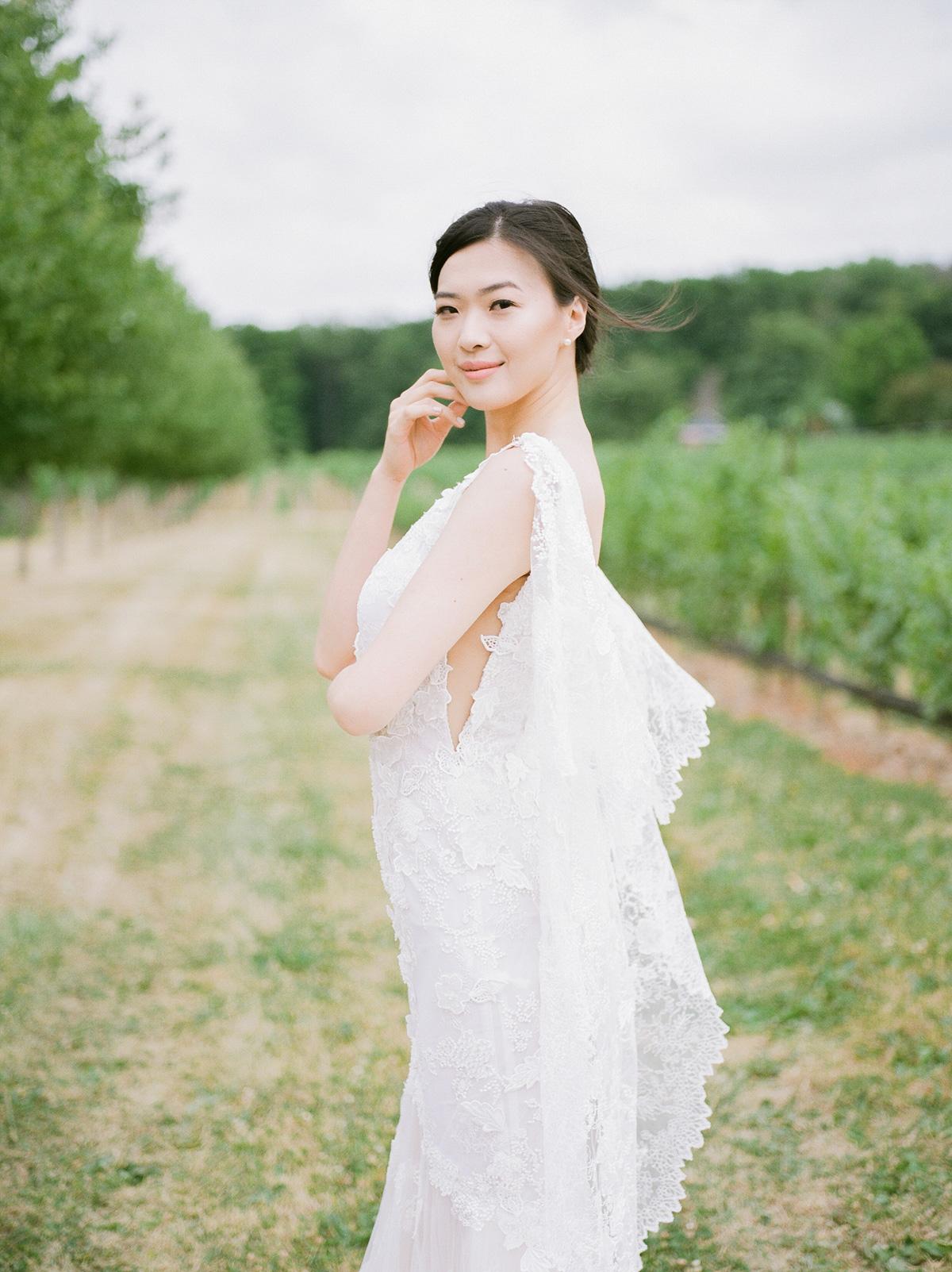 jennifer-xu-photography-vineyard-bride-swish-list-rosewod-eatstes-winery-beamsville-wedding-editorial-2.jpg