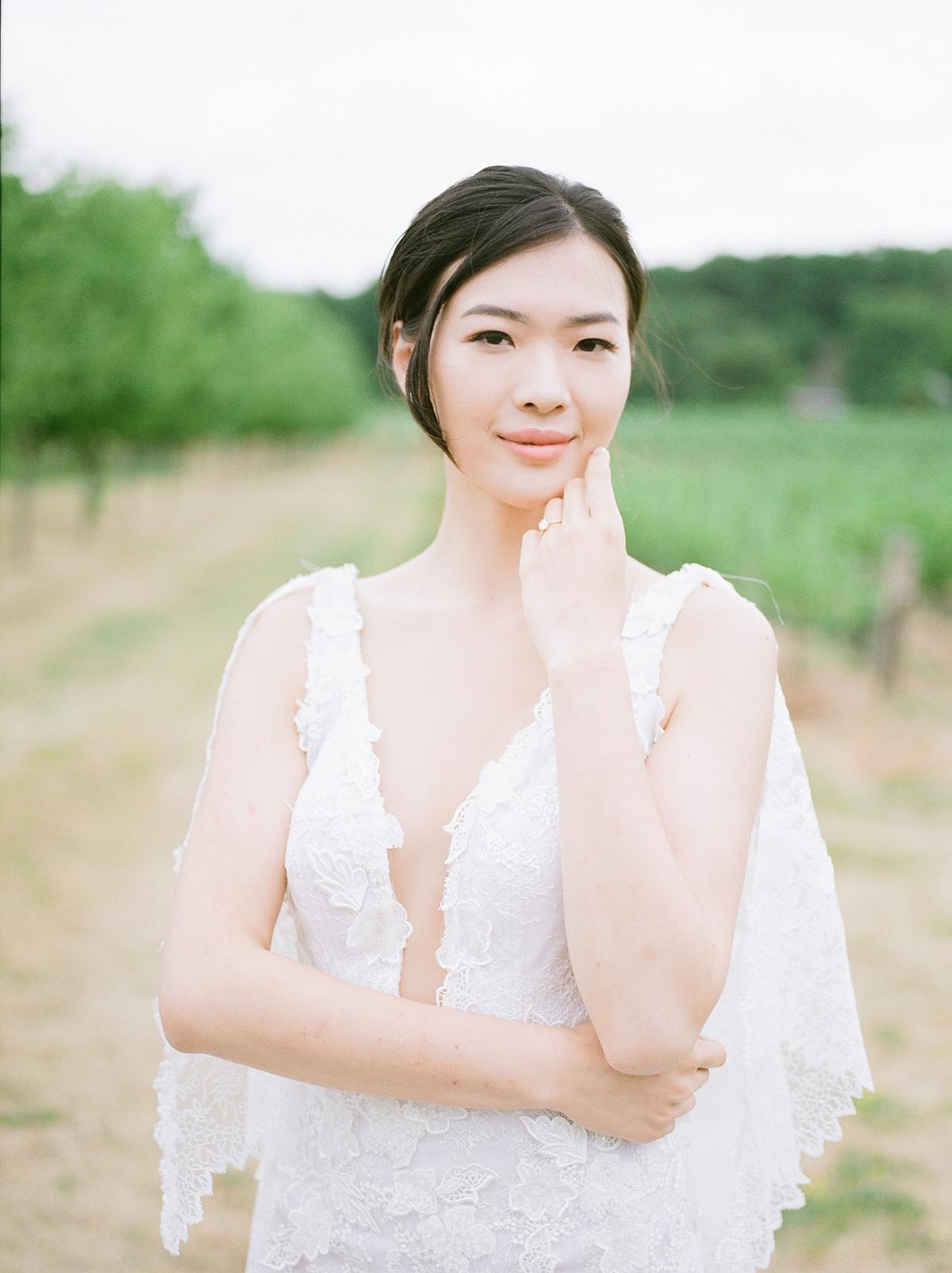 jennifer-xu-photography-vineyard-bride-swish-list-rosewod-eatstes-winery-beamsville-wedding-editorial-6.jpg