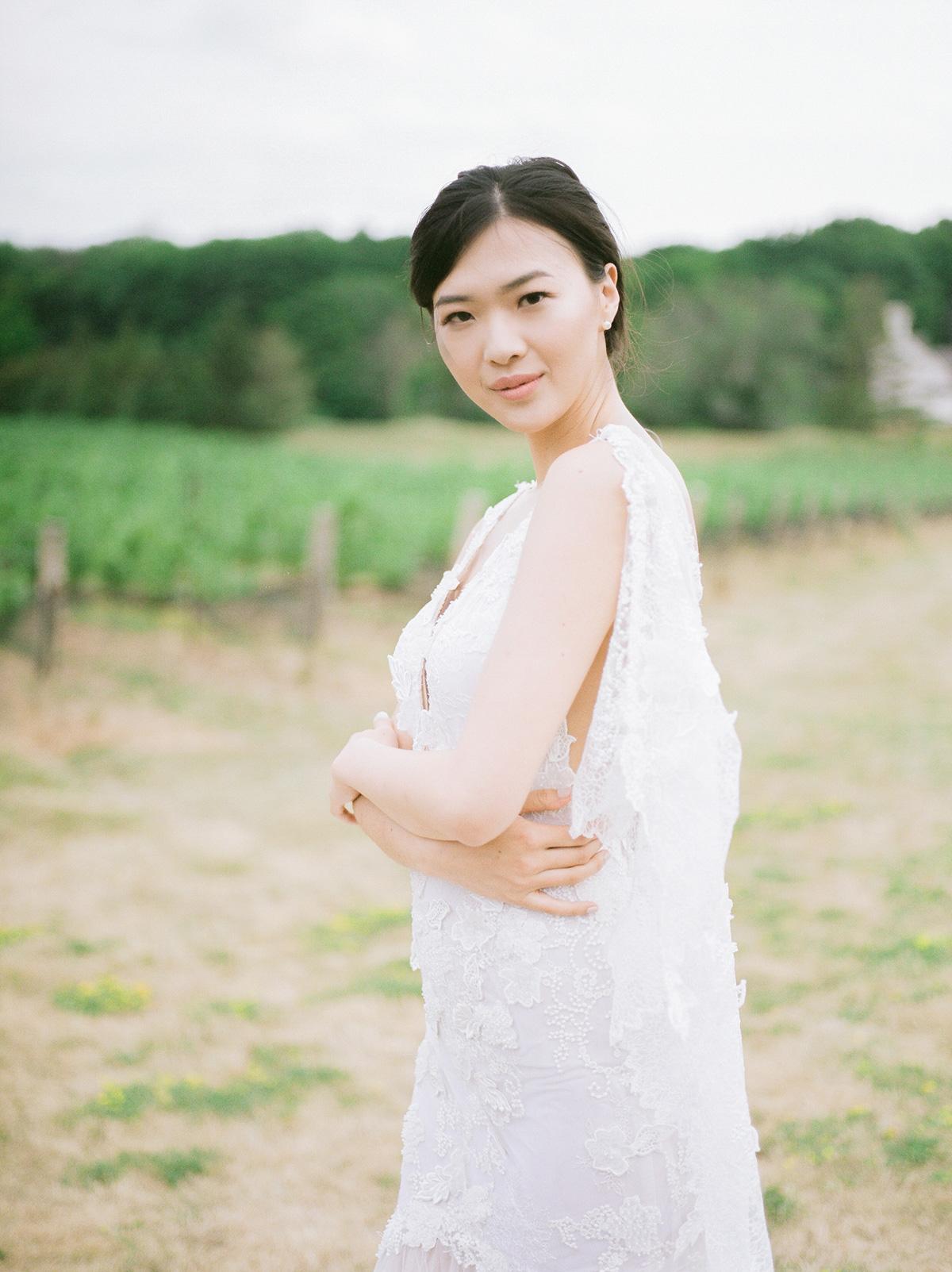 jennifer-xu-photography-vineyard-bride-swish-list-rosewod-eatstes-winery-beamsville-wedding-editorial-5.jpg