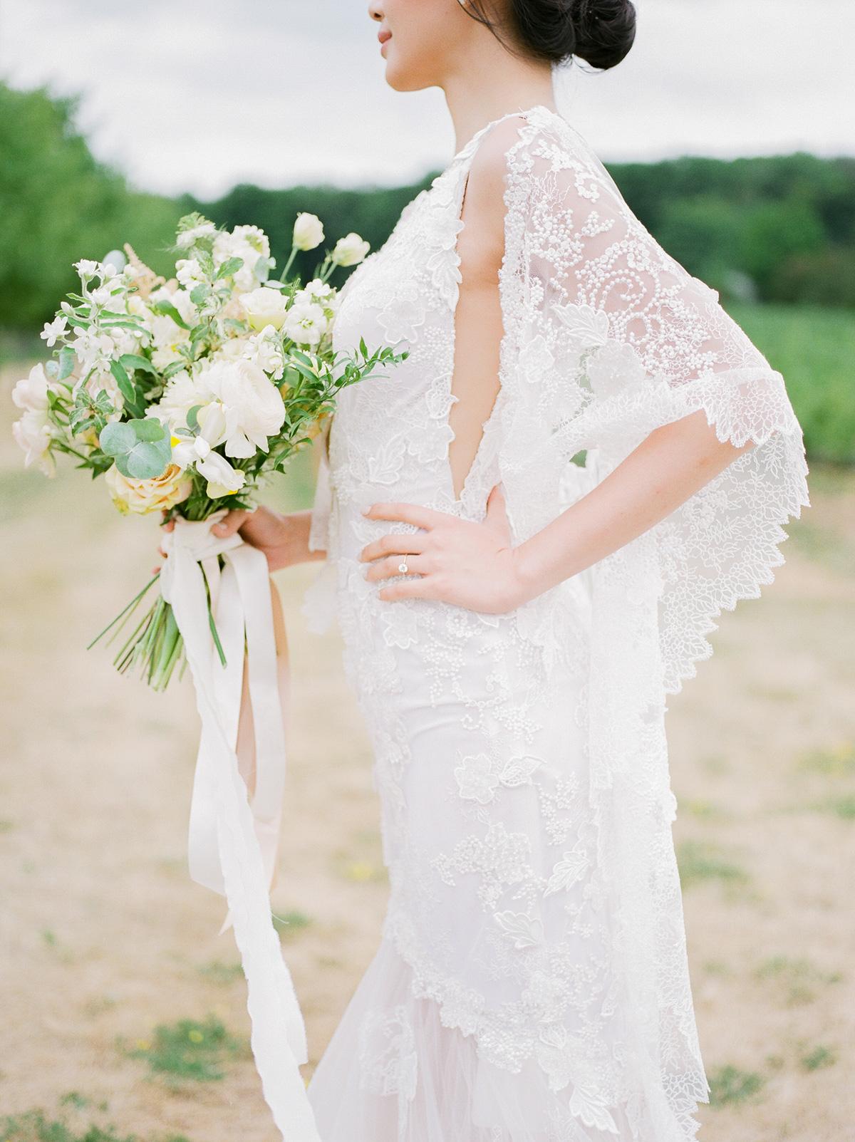 jennifer-xu-photography-vineyard-bride-swish-list-rosewod-eatstes-winery-beamsville-wedding-editorial-7.jpg