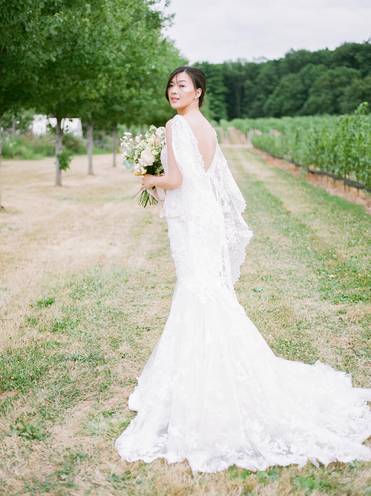 jennifer-xu-photography-vineyard-bride-swish-list-rosewod-eatstes-winery-beamsville-wedding-editorial-9.jpg